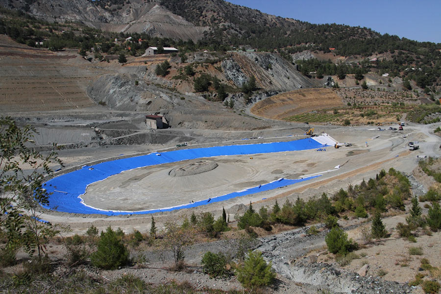 CONSTRUCTION OF THE ARTIFICIAL LAKE IN AMIANTOS MINE- PLACEMENT OF GEOTEXTILE